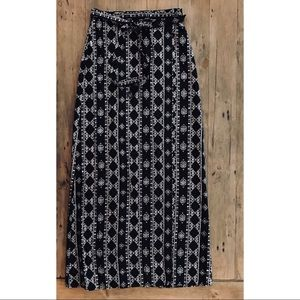 Forever 21 Printed Maxi Wrap Skirt Size Small